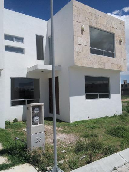 Casa Nueva Semi Residencial 3 Recamaras Cerca Explanada