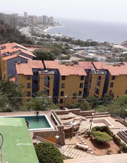 Ref# 010 Práctico Apartamento En Urb. Privada