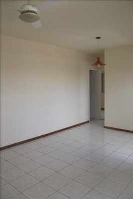 Apartamento Em Residencial Parque Dos Pássaros, Valinhos/sp De 59m² 2 Quartos Para Locação R$ 1.035,00/mes - Ap240484