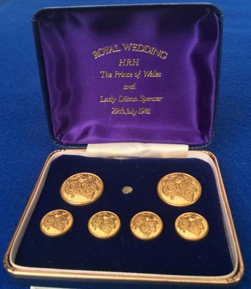 Souvenir Conmemorativo Boda Real Lady Di 5 Botones Dorados