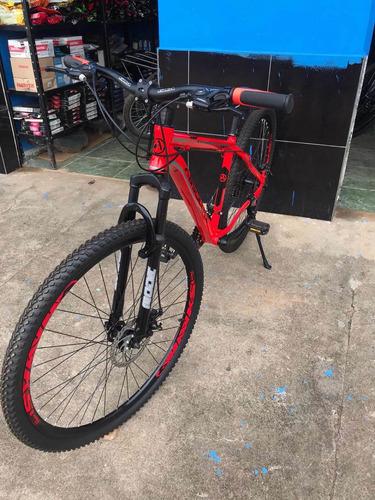 Imagem 1 de 8 de Bicicleta