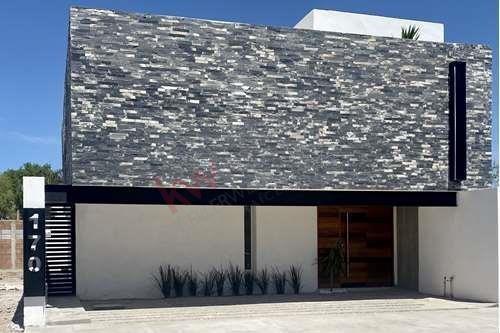 Casa En Venta, Villas Del Renacimiento, Torreón, Coahuila