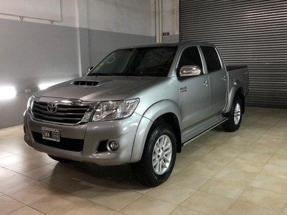 Toyota Hilux 3.0 Cd Srv Cuero 4x4 5at - A4 2015