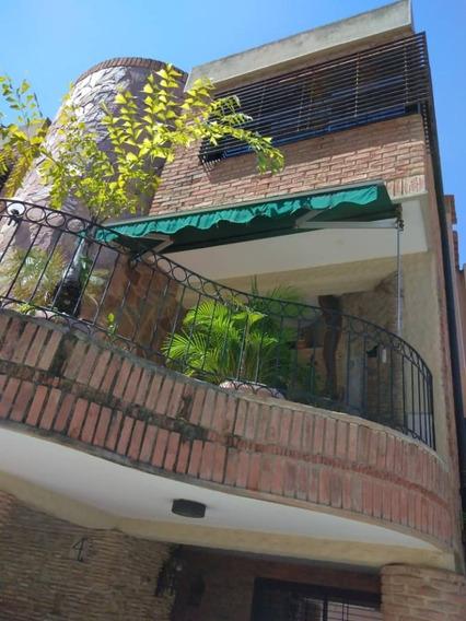 Casa Tipo Townhouse Las Chimeneas. Cod416702. Glory González