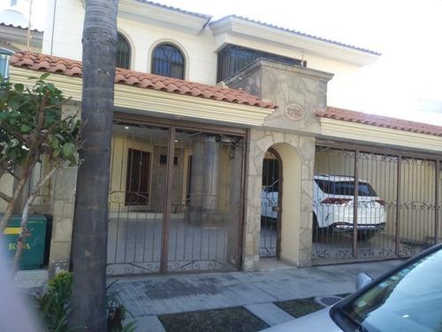 Casa En Venta En Ciudad Bugambilias En Zapopan, Jalisco