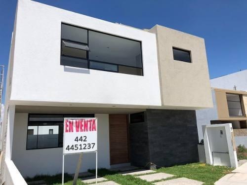En Renta Hermosa Casa En Zibatá, De Autor, 4 Recamaras, Roof
