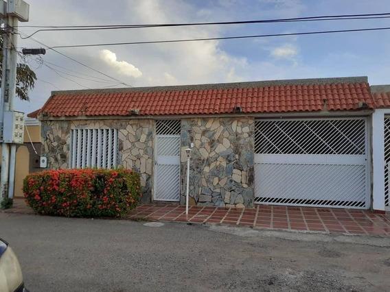 Casa Comercial En Alquiler Urb. Maranorte Maracaibo V Ch.