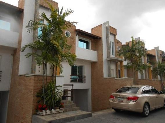 Town House En Venta Barrio Sucre Maracay Mj 20-7934
