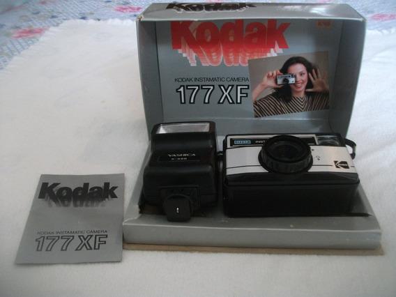 Câmera Kodak Instamatic Mod. 177xf + Flash Yashica S-300