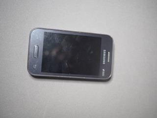Celular Samsung Galaxy Young Duos - Sm G 130b - (quebrado !)