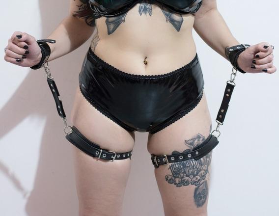 Garters Black Y Esposas (accesorios Bdsm)
