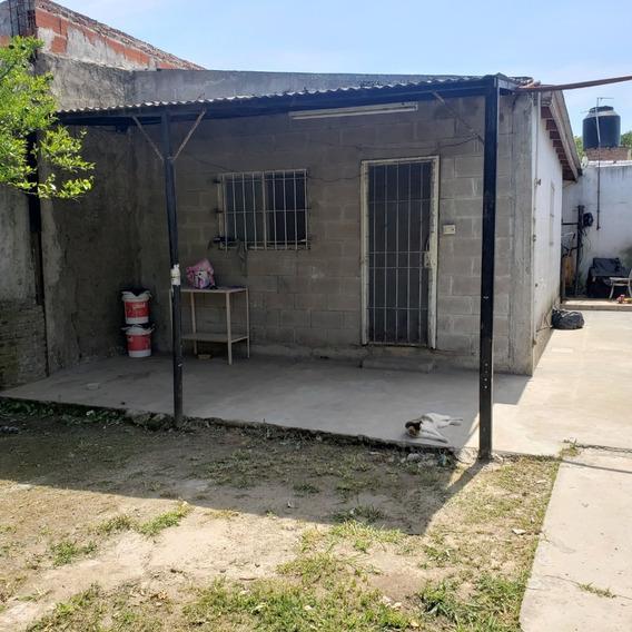 Se Venden 2 Casas Tipo Ph C/ Patio Y Jardín, Zona Comercial