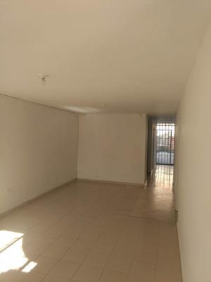 Apartamento En Venta Manrique Central 191-2756