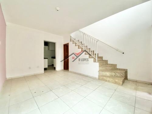 Imagem 1 de 14 de Lindo Sobrado De Condomínio Para Venda No Bairro Vila Carmosina, 2 Dorm, 1 Vagas, 60 M - 1777