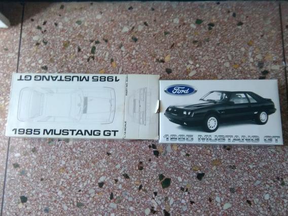 Ford Mustang 1985 A Escala 1:18 Nuevo En Su Caja