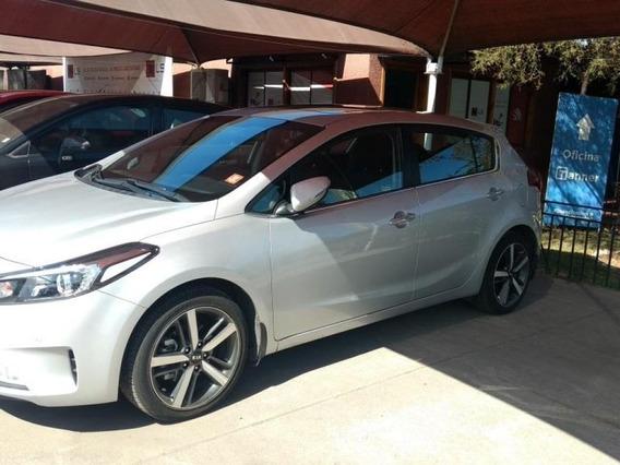 Kia Cerato 5 1.6 Auto Sx