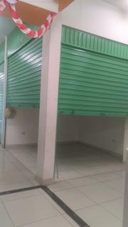 Venta De Puesto, Local (en Zona Altamente Comercial)