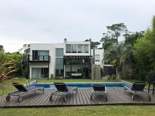 Moderna Casa En San Rafael - Ref: 2869