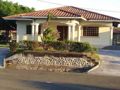 Se Alquila Casa En Villa Ana $550