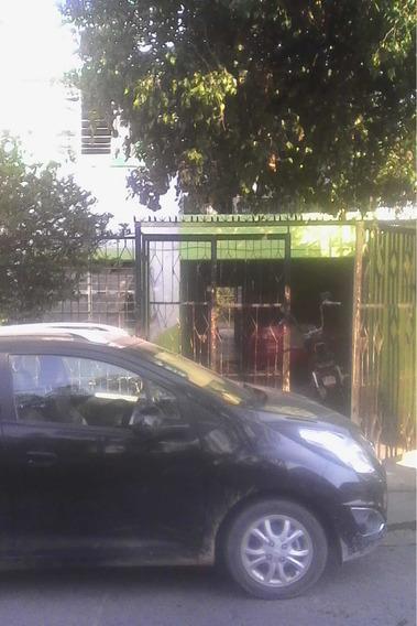 Casa Dos Plantas En Guadalajara