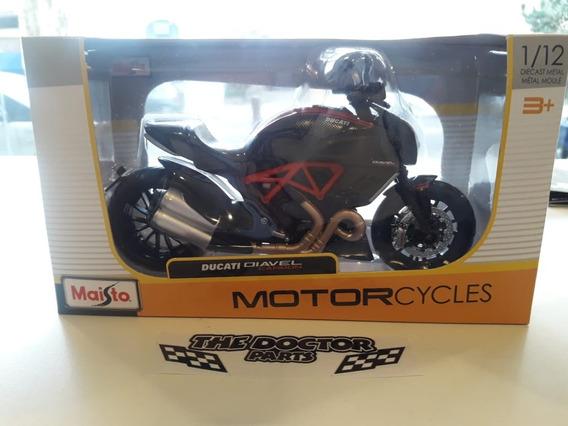 Moto Ducati Diavel Carbon Escala 1:12 Maisto