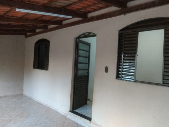 Casa 3 Quartos,sala,cozinha,banheiro,2 Varandas