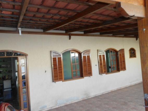 Casa Com 3 Quartos E Suite Com 8 Vagas De Garagem No Bairro Novo Riacho - 1607