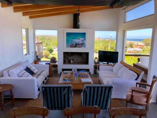 Casa En Venta De 3 Dormitorios En Punta Piedras