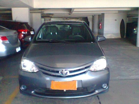 Toyota Etios Hatch 1.5 Ótima Procedência E Conservado