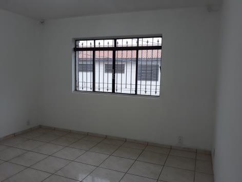 Apartamento Sobreloja Bom Clima - Loc3366