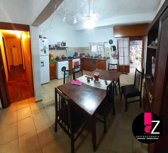 Casa En Venta De 3 Dormitorios En El Centro De La Calera