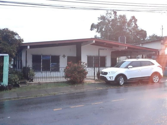 Vendo Casa Céntrica En La Chorrera 19-10896**gg**