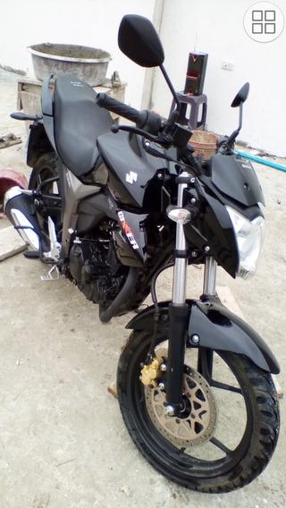 Moto Suzuki Gsx155
