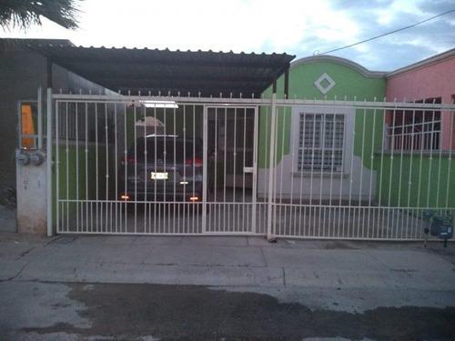 Casa Sola En Venta Fracc Villas Del Rey