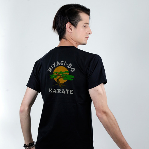 Imagen 1 de 2 de Remera De Miyagi - Do Karate - Cobra Kai Serie Netflix