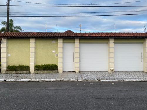 Imagem 1 de 14 de V228 Casa 3-dorms,c/ Piscina 250mts P/ Mar