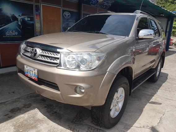 Toyota Fortuner 2011 4x4
