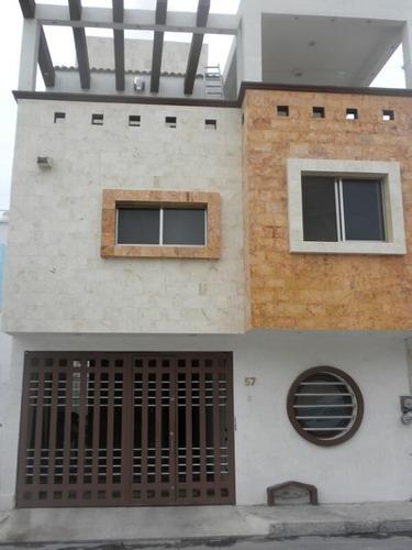 Se Renta Casa Amueblada En Fracc. San Miguel