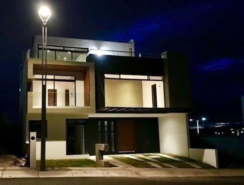 Preciosa Residencia En Zibatá - 4 Recámaras, Roof, Terrazas, Cto Serv, Luxury