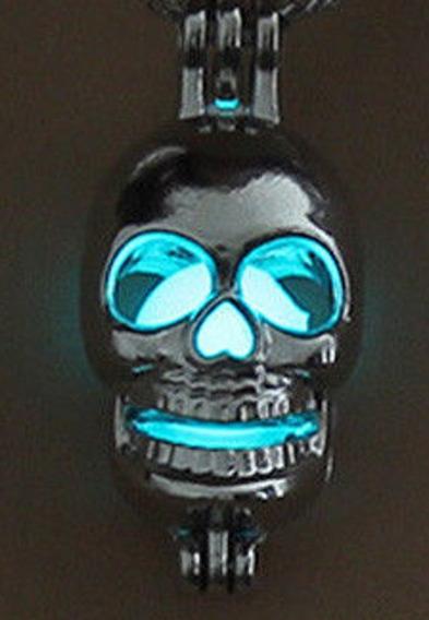Colar Pingente Brilha No Escuro Caveira Crânio Blue Skull