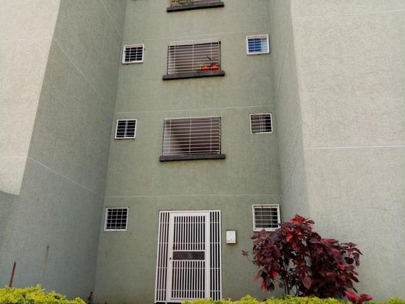 Cm 19-18700 Apartamento En Venta La Sabana
