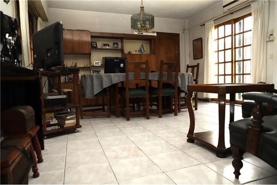 Casa 4 Amb C/ Jardin / Garage / Parrilla Permuta