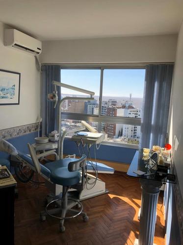 Consultorio Odontológico / Apartamento Con Vita A La Rambla