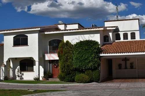 Hermosa Casa En Privada Lomas 4ta Seccion