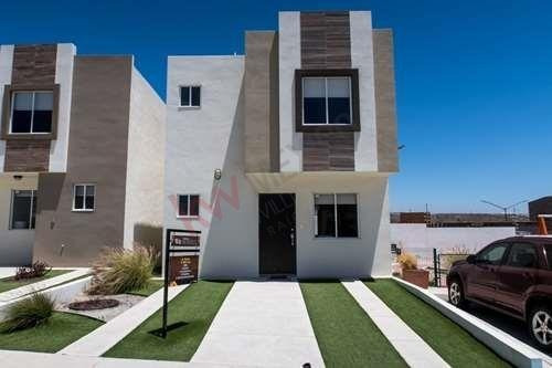 Casa En Venta, Tijuana. Urbiquinta Del Cedro, Zona Santa Fe. Residencial Privado Con Seguridad, Casa Club Con Gimnasio Y Amenidades