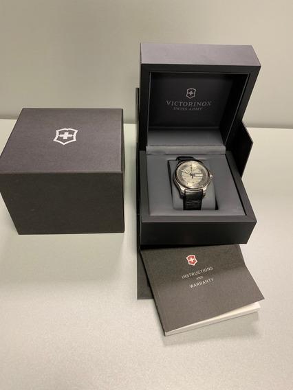 Relógio Masculino Victorinox Swiss Army Cinza/preto Daydate