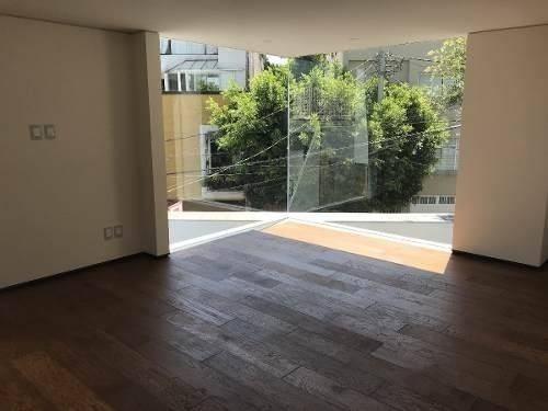 Imagen 1 de 14 de Hermosa Casa En San Angel Calle Cerrada Con Seguridad. Venta