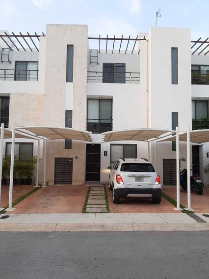 Casa Residencial En Venta En Playa Del Carmen