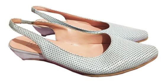 Zapatos De Cuero Stilettos Bajos Celestes