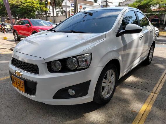 Chevrolet Sonic Lt Sedan Mecanico Full Equipo 2014